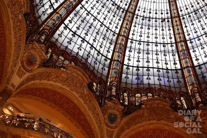 Das gr??te und bekannteste Einkaufszentrum der franz?sischen Hauptstadt Paris. France.