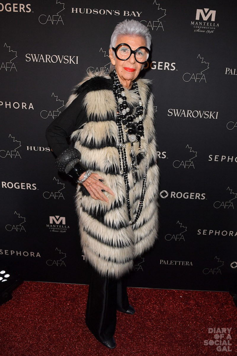 HOW FABULOUS IS SHE REALLY? IRIS APFEL, International Style Icon.