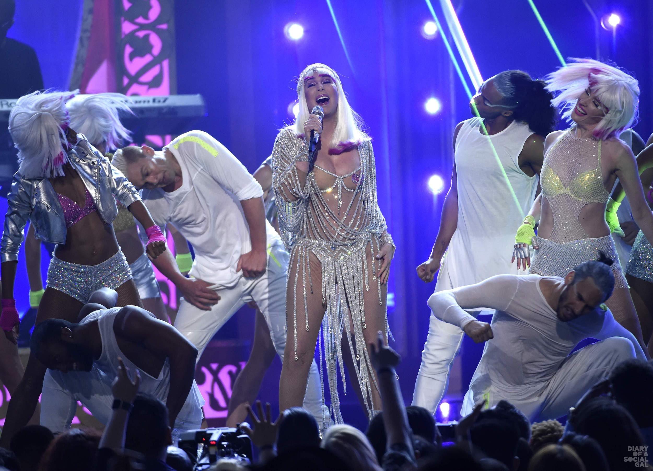 2017_Billboard_Music__Madh_(6)