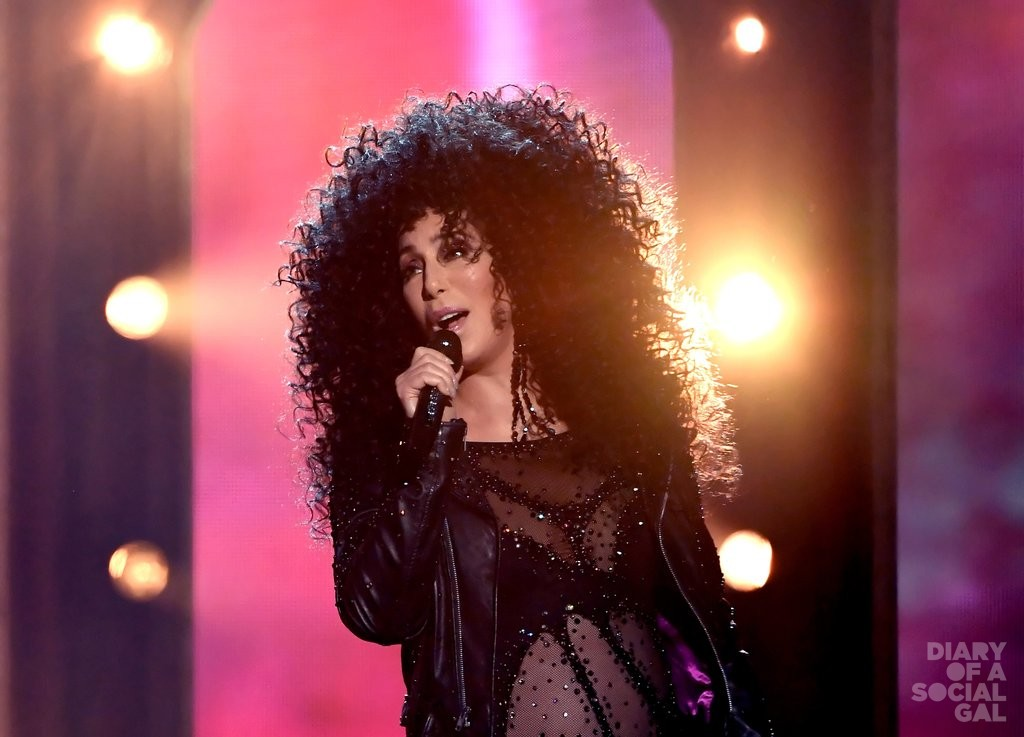Cher-Outfits-2017-Billboard-Music-Awards-4