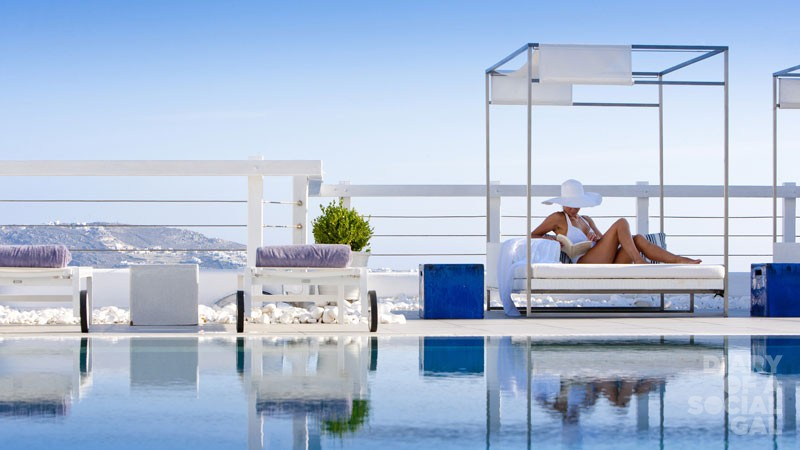 Poolside-Sunlounger-GraceMykonos-29_A1E6475-retouched
