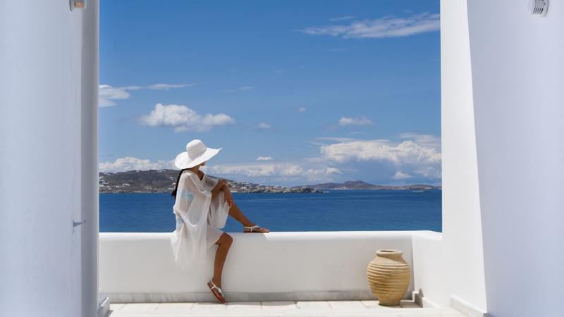 Relaxing-Views_Grace-Mykonos