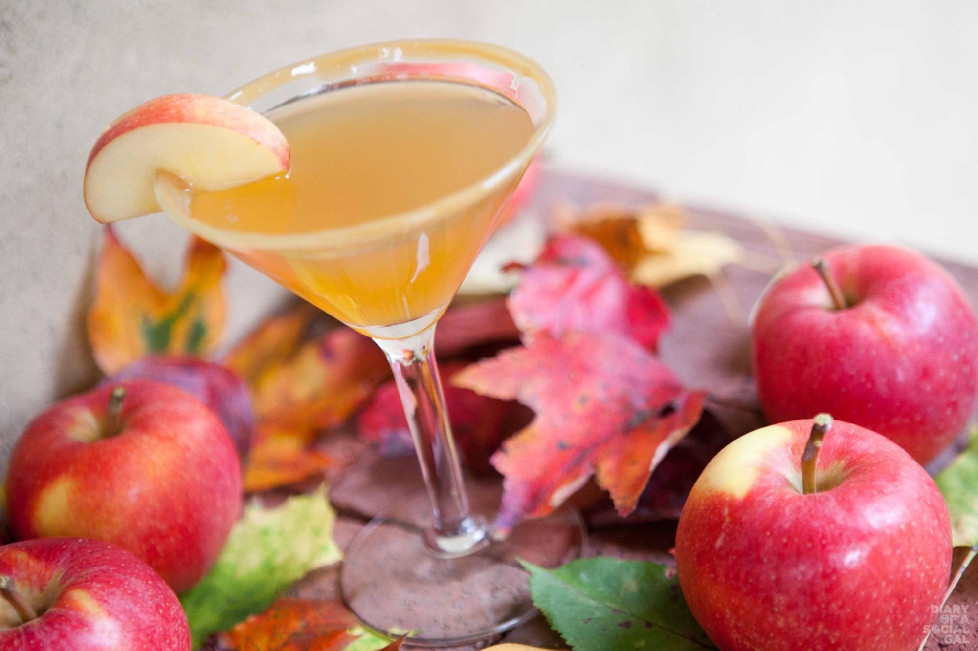 10-21-Apple-Caramel-Martini